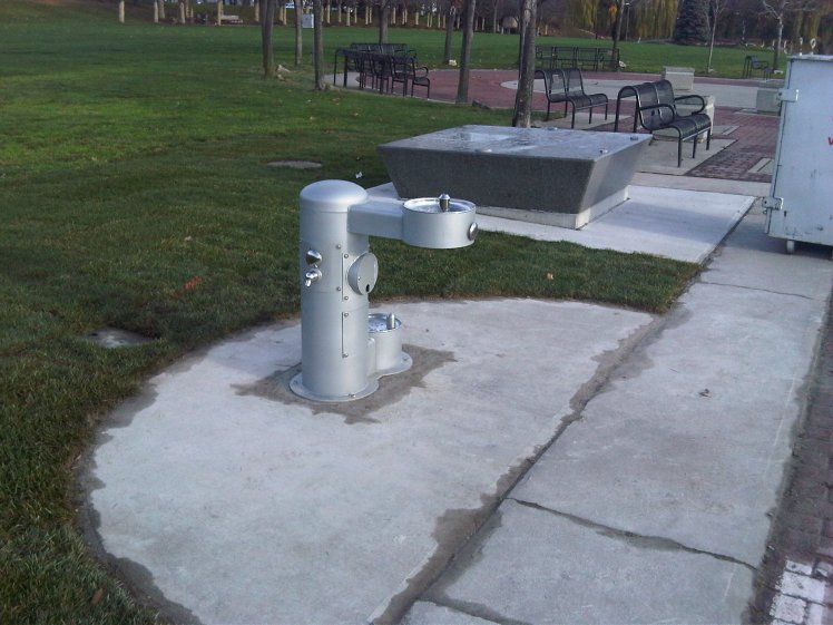 Water fountain - Spencer Smith Park